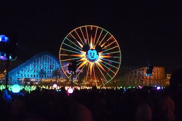 World of Color, Mickey's Fun Wheel