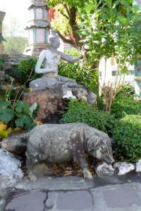 Pig Stone statue in the garden at Wat Pho