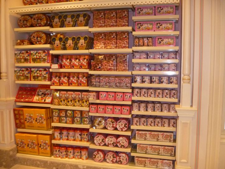 Tins with snacks, biscuits and sweets