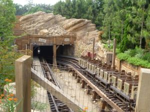 Grizzly Gulch - Hong Kong Disneyland