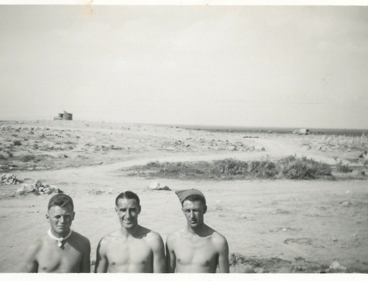 NZEF soldiers in the desert (Egypt or Libya)