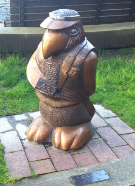 Bronze Penguin 3