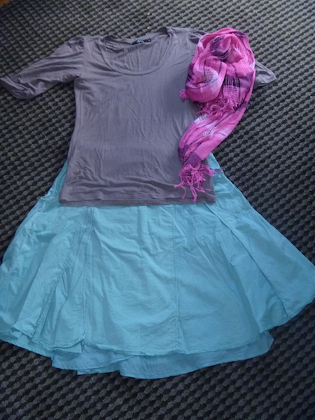Beige wear-once-and-leave t-shirt with the teal skirt from above and the pink scarf again.