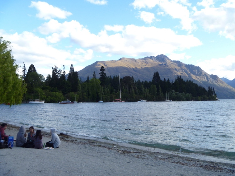 And took in the view around the lake.   There were a lot of people having picnics or having dinner along the shoreline ...