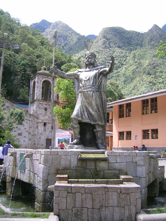 Statue of Pachacutec and the cathedral