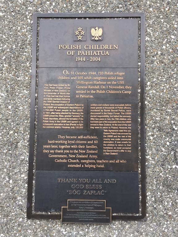 POLISH CHILDREN OF PAHIATUA 1944-2004