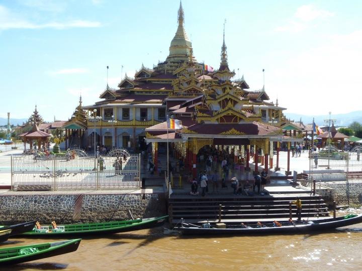 Paung Daw Oo Pagoda
